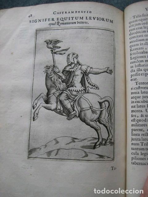 Libros antiguos: VETERUM ROMANORUM RELIGIÓN CASTRAMETATIO...., 1685. Guilielmo du Choul. Grabados - Foto 18 - 230415295