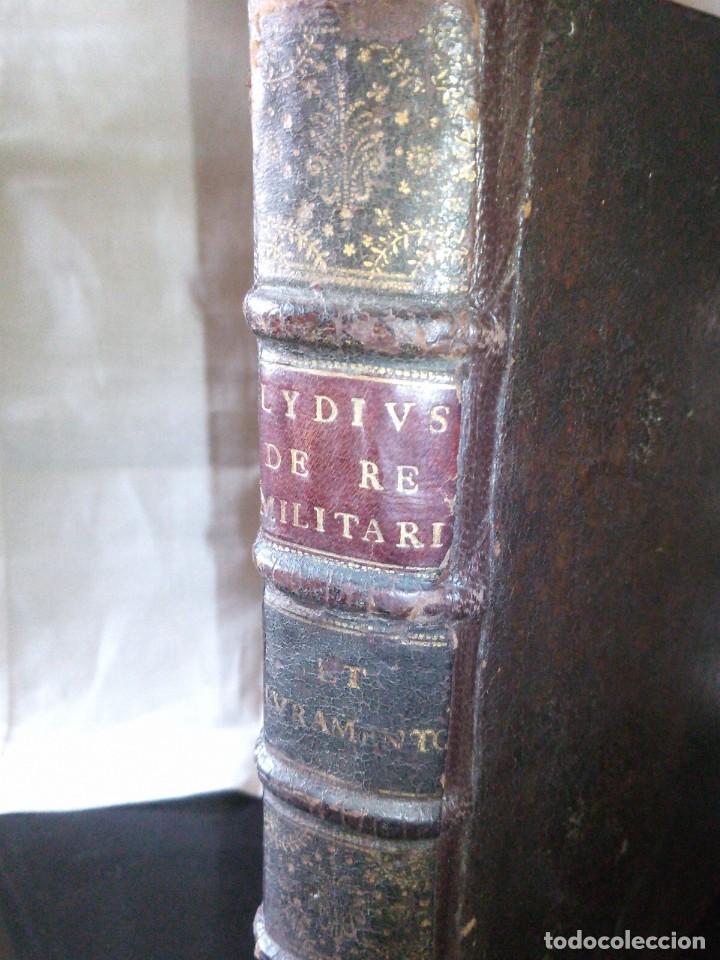Libros antiguos: ~~~~ JACOBI LYDII, DERE MILITARI SYNTAGMA SACRUM, DE JURE JURANDO 1698 CON GRABADOS Y DESPLEGA ~~~~ - Foto 2 - 268995044