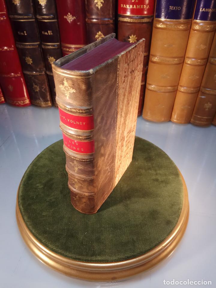 LES RUINES OU MÉDITATION SUR LES RÉVOLUTIONS DES EMPIRES - C.-F. VOLNEY - PARIS - BOSSANGE FRÉRES - (Libros antiguos (hasta 1936), raros y curiosos - Historia Moderna)