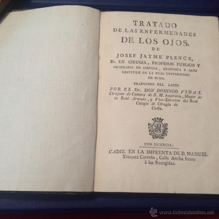 Libros antiguos: Plenck. Tratado de las enfermedades de los ojos. Cádiz 1797. Primera edición. Cirugía Grabados. - Foto 2 - 50992120