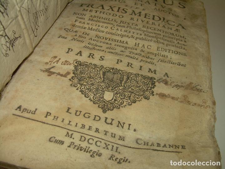 Libros antiguos: DOS TOMOS DE MEDICINA.... TAPAS DE PERGAMINO..AÑO. 1.712...PRAXIS MEDICA. - Foto 4 - 95412871