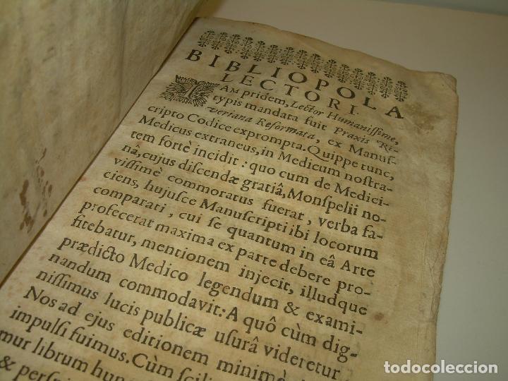 Libros antiguos: DOS TOMOS DE MEDICINA.... TAPAS DE PERGAMINO..AÑO. 1.712...PRAXIS MEDICA. - Foto 5 - 95412871