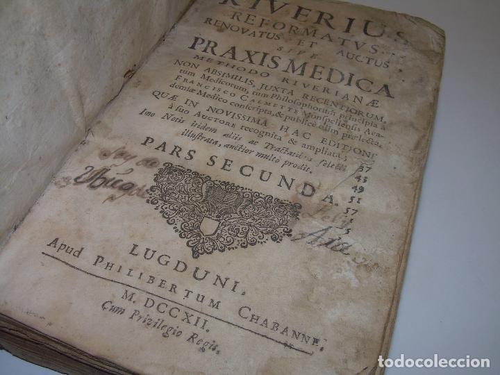 Libros antiguos: DOS TOMOS DE MEDICINA.... TAPAS DE PERGAMINO..AÑO. 1.712...PRAXIS MEDICA. - Foto 14 - 95412871