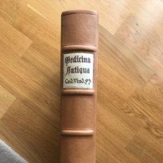 Libros antiguos: CODEX VINDOBONENSIS 93. EDICIÓN ARTE BIBLIOFILIA 1984. 92/350 EJEMPLARES. Lote 160942466