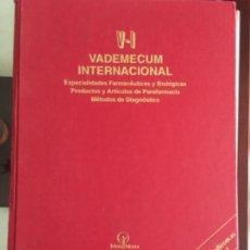 Libros antiguos: VADEMECUM 1999. Lote 180862466