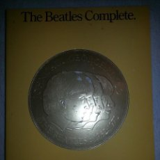 Libros antiguos: THE BEATLES COMPLETE. GUITAR/VOCAL EDITION.. Lote 147457014