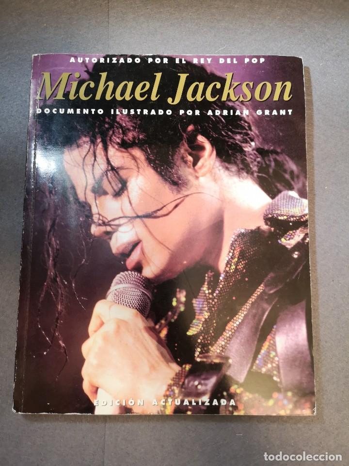 LIBRO MICHAEL JACKSON 2001-AUTORIZADO POR EL REY (Libros Antiguos, Raros y Curiosos - Bellas artes, ocio y coleccion - Música)