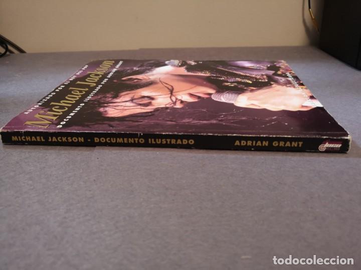 Libros antiguos: libro MICHAEL Jackson 2001-AUTORIZADO POR EL REY - Foto 3 - 153719410