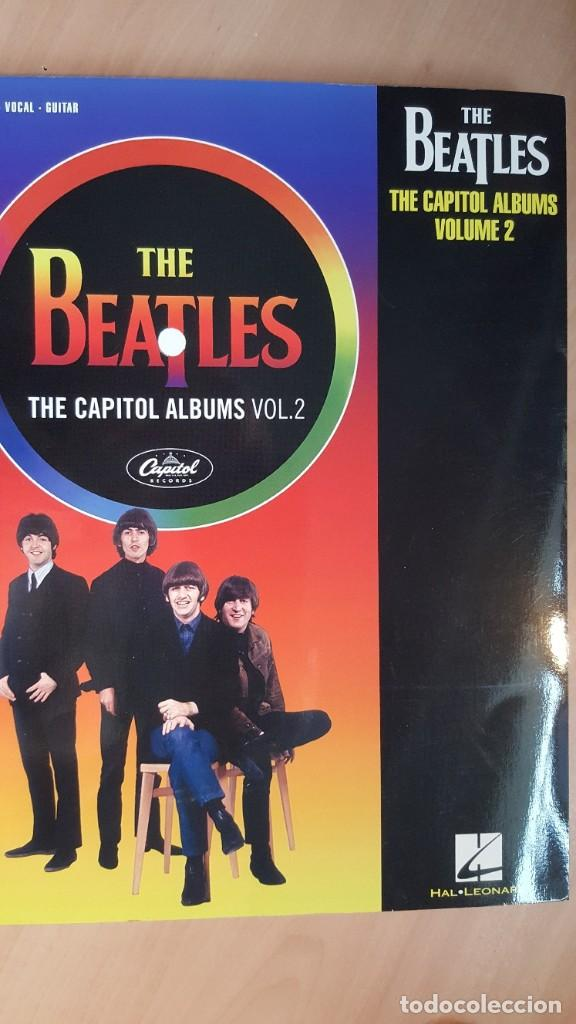 Libros antiguos: THE BEATLES THE CAPITOL ALBUMS VOL. 1 Y VOL. 2 SONGBOOKS - Foto 2 - 172453020