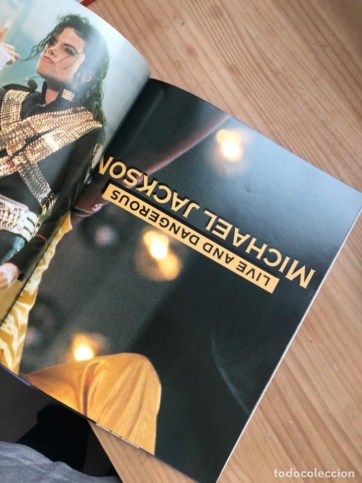 Libros antiguos: Revista Live and Dangerous Michael Jackson - Foto 5 - 176446212