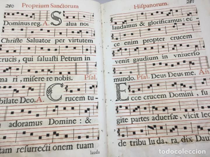 Libros antiguos: Antifonario español siglo XVI portadas madera y piel 1596 mas de 300 páginas daños de uso - Foto 12 - 210080728