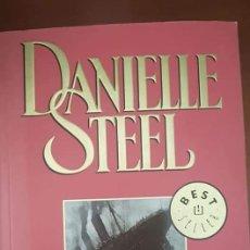 Libros antiguos: UN AMOR MUY GRANDE -DANIELLE STEEL. Lote 183171177