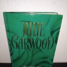 Libros antiguos: JULIE GARWOOD CASTILLOS NOVELA TAPA DURA. Lote 192960370