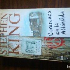 Libros antiguos: CORAZONES EN LA ATLANTIDA DE STEPHEN KING . Lote 95966039