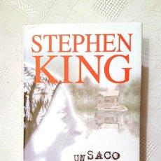 Libros antiguos: STEPHEN KING · UN SACO DE HUESOS · PERFECTO ESTADO / COMO NUEVO · CÍRULO DE LECTORES, 1999. Lote 183396426