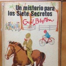 Libros antiguos: ENID BLYTON Nº 4 - UN MISTERIO PARA LOS SIETE SECRETOS - ED. JUVENTUD 1971 / ILUSTRADO . Lote 111898767
