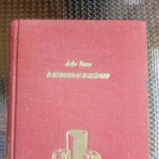 Libros antiguos: EL TESTAMENTO DE UN EXCENTRICO DE JULIO VERNE - EDT.MIGUEL ARIMANY 1960 (L-U). Lote 169314524