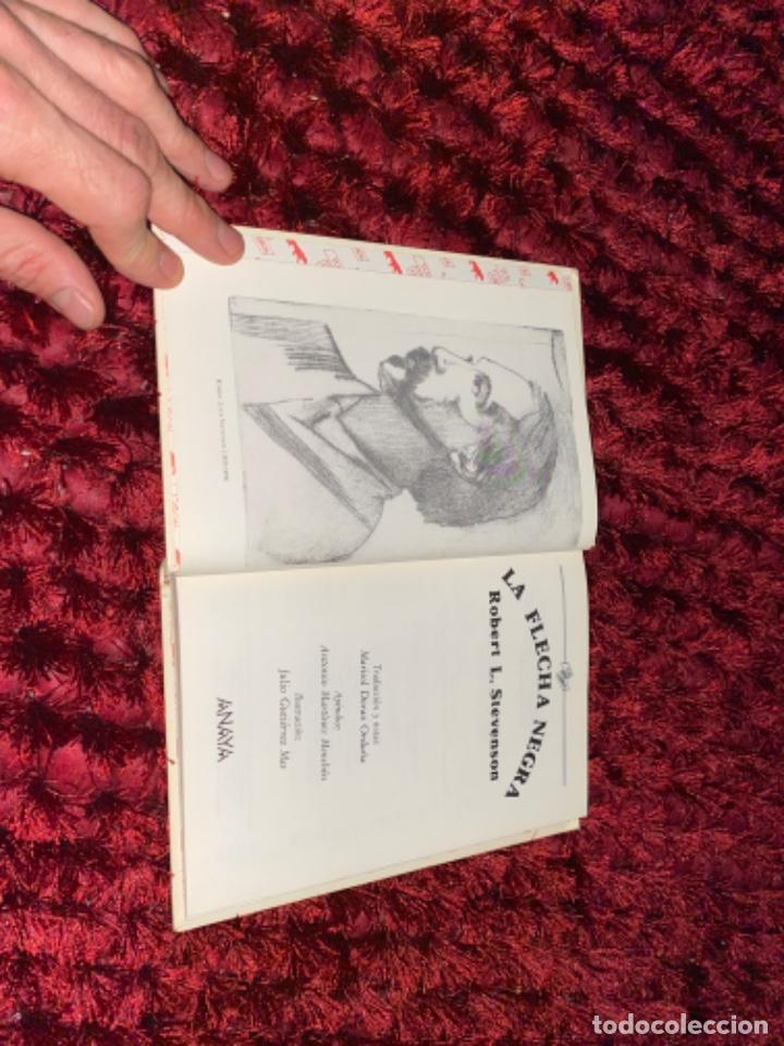Libros antiguos: STEVENSON: LA FLECHA NEGRA, (ANAYA, TUS LIBROS, 104, 1ª, 1991). - Foto 4 - 225391595