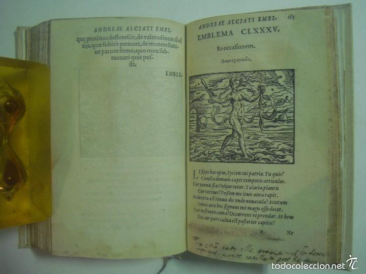 Libros antiguos: MAGNÍFICA EDICIÓN RENACENTISTA EMBLEMATA ANDREAE ALCIATI.1567. 195 GRABADOS - Foto 9 - 57989939
