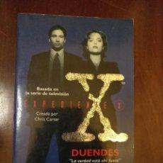 Libros antiguos: LIBRO UFOLOGIA - EXPEDIENTE X - BASADA EN LA SERIE DE TV. Lote 111865879