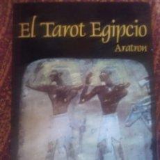 Libros antiguos: EL TAROT EGIPCIO ARATRON.. Lote 171807353