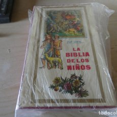 Libros antiguos: PIET WORM LA RARA BIBLIA DE LOS NIÑOS 3 TOMOS CON ESTUCHE EN MUY BUEN ESTADO. Lote 178032802