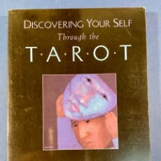 Libri antichi: DISCOVERING YOURSELF THOUGH THE TAROT - A JUNGIAN GUIDE TO ARCHETYPES & PERSONALITY - SOFTCOVER. Lote 242448930