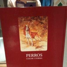 Libros antiguos: PERROS COLOR Y FORMA. Lote 182497826