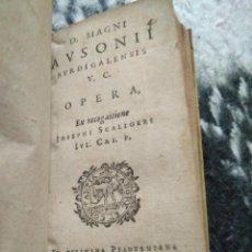 Libros antiguos: 1605. AUSONIO MAGNO. BURGOS. MINI LIBRO.. Lote 170229180