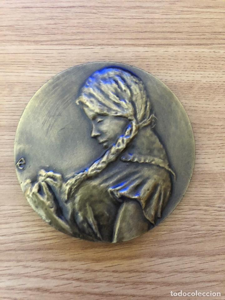 Libros antiguos: Medalla dedicada a Juan Ramon Jimenez - Foto 2 - 177052044
