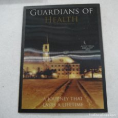 Libros antiguos: GUARDIANS OF HEALTH. THE GOOD SAMARITAN - A JOURNEY THAT LASTS A LIFETIME - INCLUYE CD+GAFAS 3D. Lote 194710450