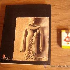 Libros antiguos: LOS CAMINOS DE SANTIAGO EL ARTE EN EL PERIODO ROMANICO EN CASTILLA Y LEON SIGLO XI A XIII. Lote 26625795