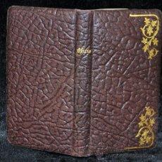 Libros antiguos: OFICIO DEL DOMINGO. AÑO 1900. CON TAPAS EN PIEL Y DECORACIONES MODERNISTAS. Lote 33696803