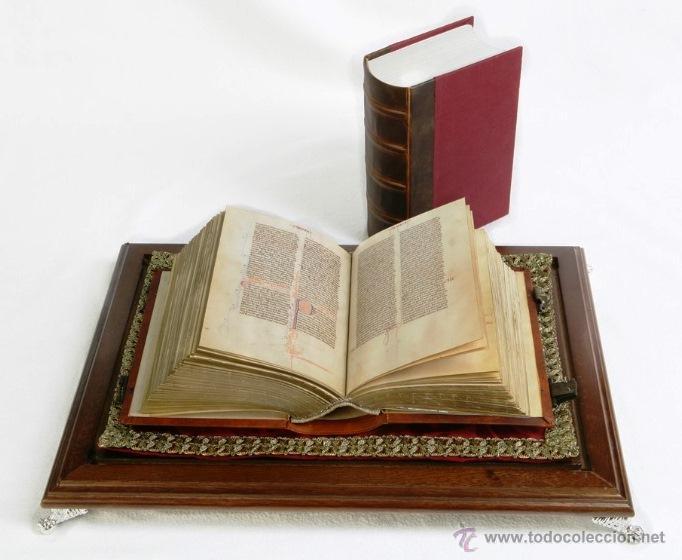 BIBLIA DE SAN VICENTE FERRER, C. 1275, CON URNA DE CRISTAL. FACSÍMIL. SCRIPTORIUM (Libros Antiguos, Raros y Curiosos - Religión)