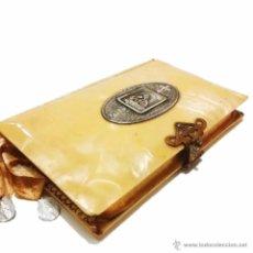 Libros antiguos: ANTIGUO MISAL CON TAPAS ANACARADAS Y MEDALLA DE PLATA CON CONTRASTE 935-AÑO 1.927. Lote 46958249