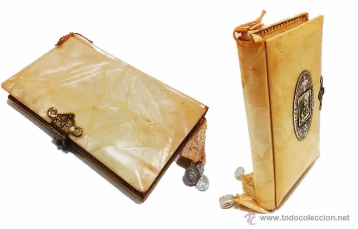 Libros antiguos: ANTIGUO MISAL CON TAPAS ANACARADAS Y MEDALLA DE PLATA CON CONTRASTE 935-AÑO 1.927 - Foto 3 - 46958249