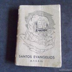 Libros antiguos: SANTOS EVANGELIOS-V40-TAMAÑO 115X85MM-380 PAGINAS-GRAFICAS HALAR-1954. Lote 59117135