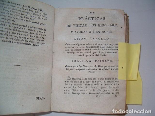 Libros antiguos: Prácticas de visitar los enfermos y ayudar á bien morir. CUATRO TOMOS en un solo volumen. RM77702. - Foto 4 - 68559821