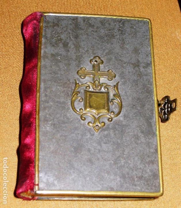 ANTIGUO DEVOCIONARIO EL ANGEL DE LA INFANCIA AÑO 1872 GRABADOS . METAL TELA ANAGRAMA EN RELIEVE (Libros Antiguos, Raros y Curiosos - Religión)