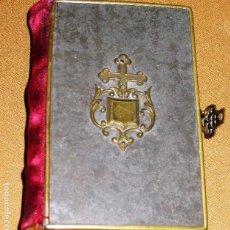 Libros antiguos: ANTIGUO DEVOCIONARIO EL ANGEL DE LA INFANCIA AÑO 1872 GRABADOS . METAL TELA ANAGRAMA EN RELIEVE. Lote 111549035