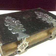 Libros antiguos: MAGNÍFICO DEVOCIONARIO NUEVO EUCOLOGIO ROMANO. TAPAS DE PIEL. PARIS LAPLACE, SÁNCHEZ Y CIA, 1876.. Lote 80704783