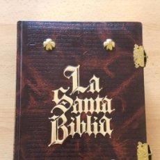 Libros antiguos: LA SANTA BIBLIA EDICIÓN DE LUJO. Lote 105433603