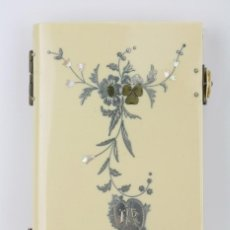 Libros antiguos: LIBRO CON CUBIERTAS CELULOIDE, PLATA Y NÁCAR - EL PEQUEÑO DEVOCIONARIO ROMANO - A. MAME E HIJOS,1896. Lote 112881295