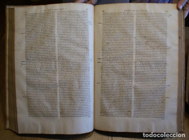 Libros antiguos: 4 LIBROS SIGLO XVI. 1581. PERGAMINO. D. IOANNIS CHRYSOSTOMI ARCHIEPISCOPI CONSTANTINOPOLITANI OPERUM - Foto 10 - 118003707