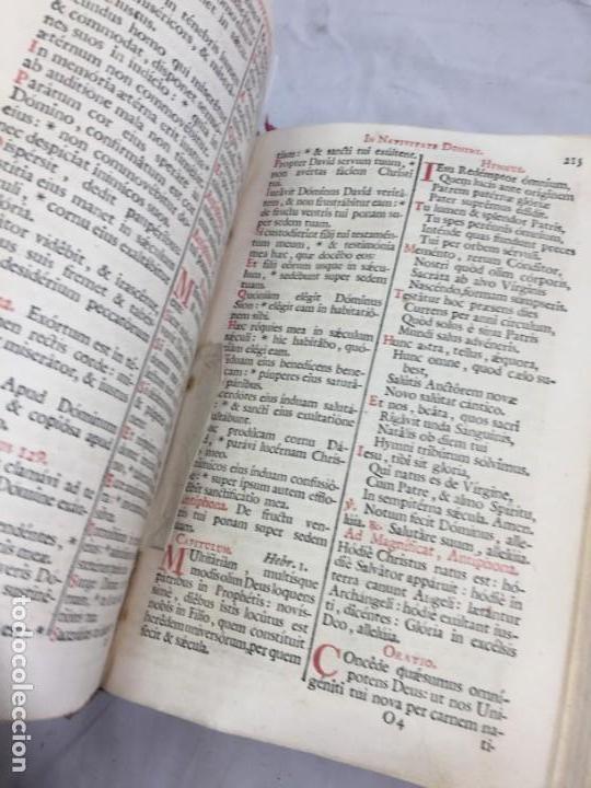 Libros antiguos: Breviarium Romanum Matriti 1778 dos tintas pátina uso, marcas de uso grabados - Foto 14 - 132135990