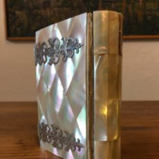 Libros antiguos: LIBRO DE IGLESIA CUBIERTAS EN NÁCAR- LA LUZ DEL CIELO - DEVOCIONARIO - MILAN, MAURI & CO.. Lote 195060405