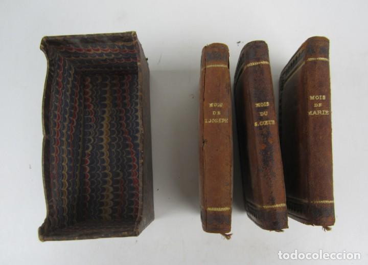 Libros antiguos: Petit mois de Marie notre mère, de Saint Joseph et du sacré coeur, J. Marandat, Limoges. 5,5x9cm - Foto 2 - 139399030