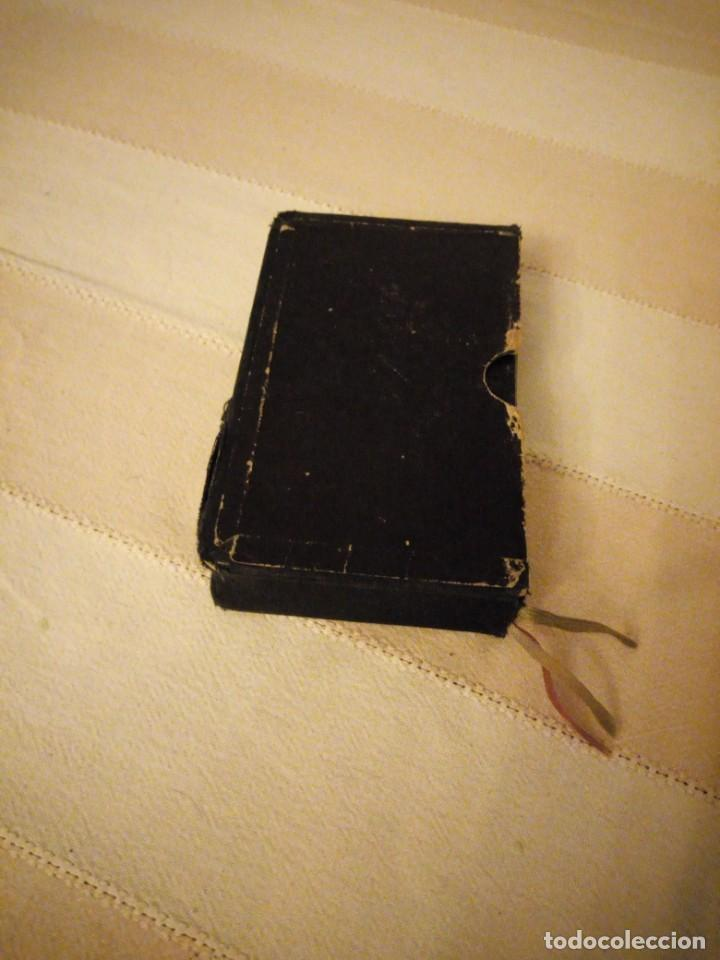 PETIT MISSEL QUOTIDIEN 1951,CON ESTAMPAS INCLUIDAS Y ESQUELAS,FRANCES. (Libros Antiguos, Raros y Curiosos - Religión)
