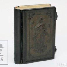 Libros antiguos: ANTIGUO DEVOCIONACIO LA MUJER CATÓLICA - CUBIERTAS DE CELULOIDE - LLORENS HERMANOS. BARCELONA, 1879. Lote 152269742