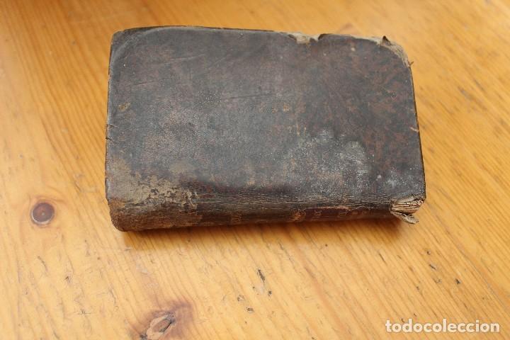 EJERCICIOS COTIDIANOS ENCUADERNADO EN PIEL CON 200 AÑOS (Libros Antiguos, Raros y Curiosos - Religión)